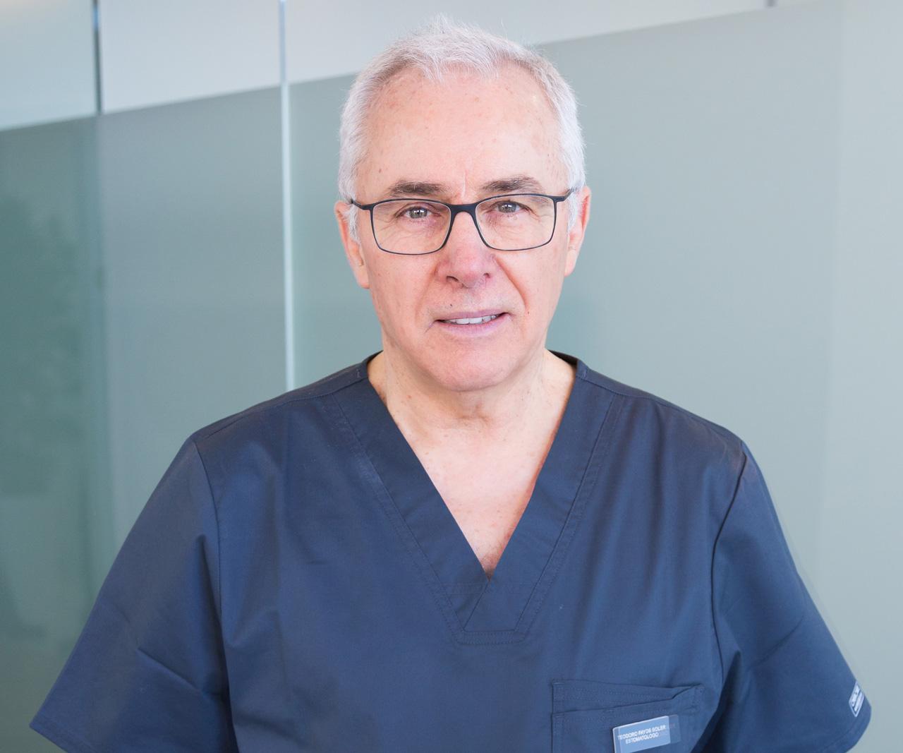 Entrevista Dr. Teodoro Fayos sobre endodoncia